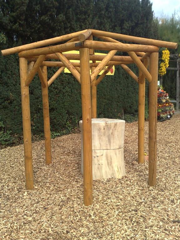petite maisonnette en bois