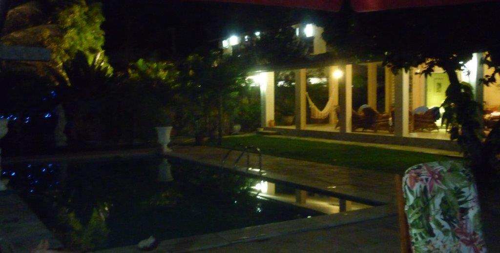 Pool / Terrasse bei Nacht