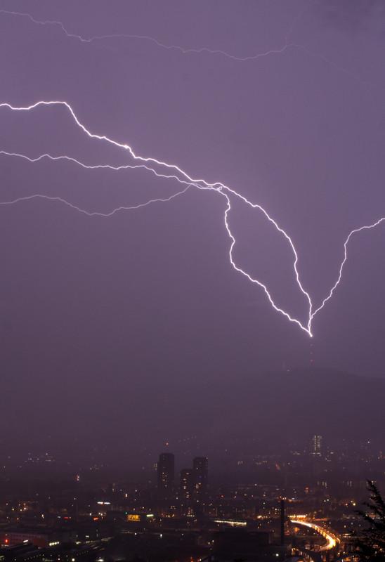 Gewitter/Blitzschlag in Uetlibergturm, Zürich, Schweiz, 2008 06 11  (MP0379) © Michael Pfenning