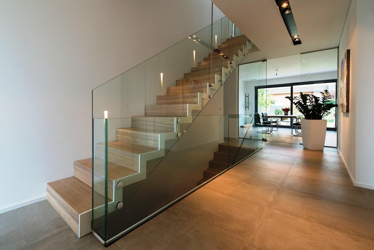 treppe glasgeländer