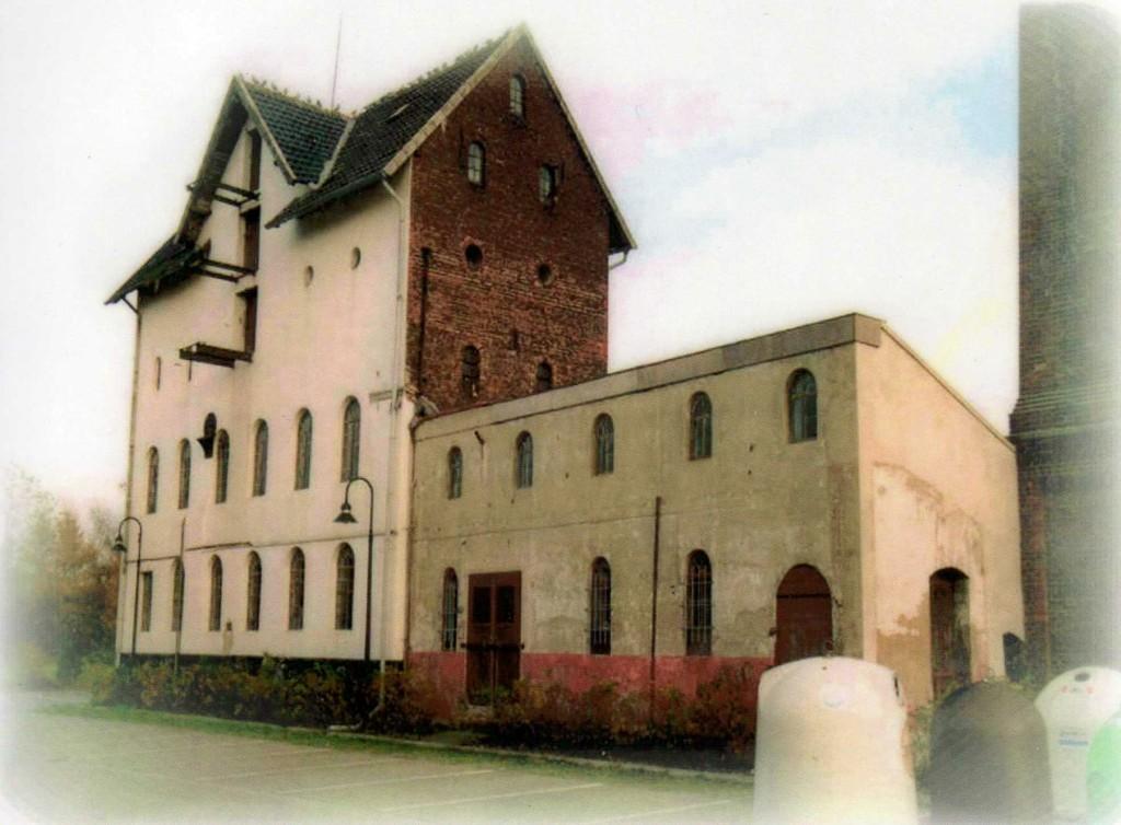 Außenansicht vor Restaurierungsbeginn in 2000