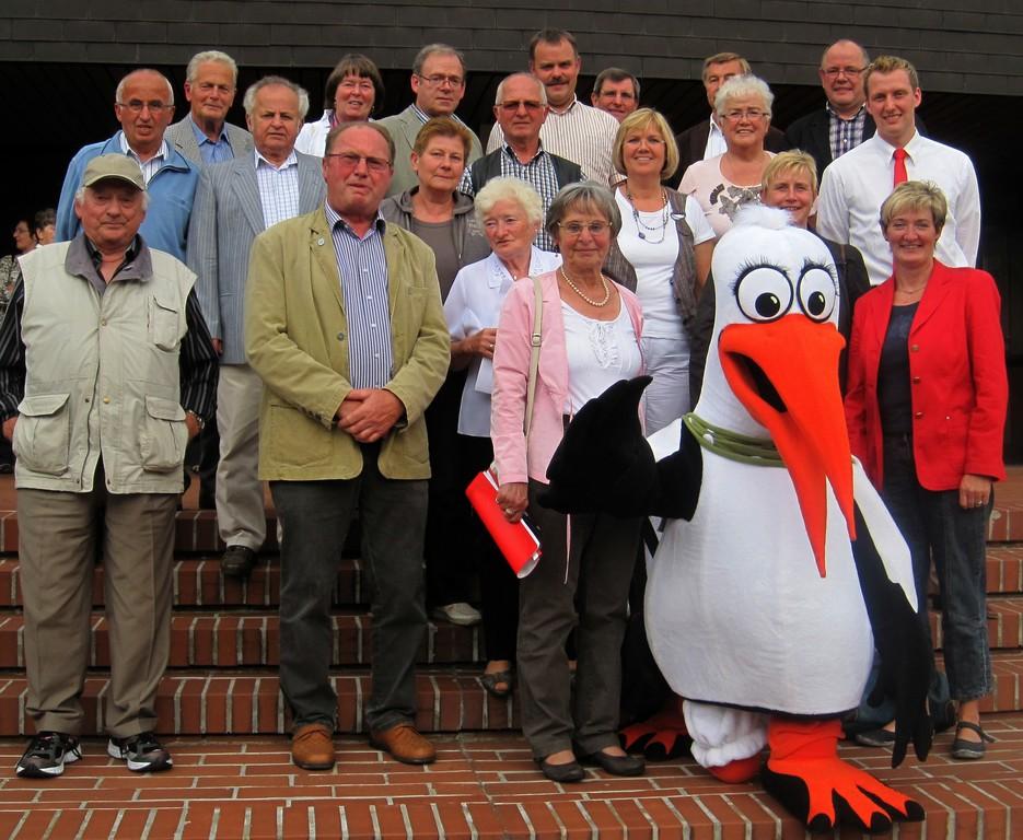 Delegation mit Hillerich vor Lübbecker Stadthalle