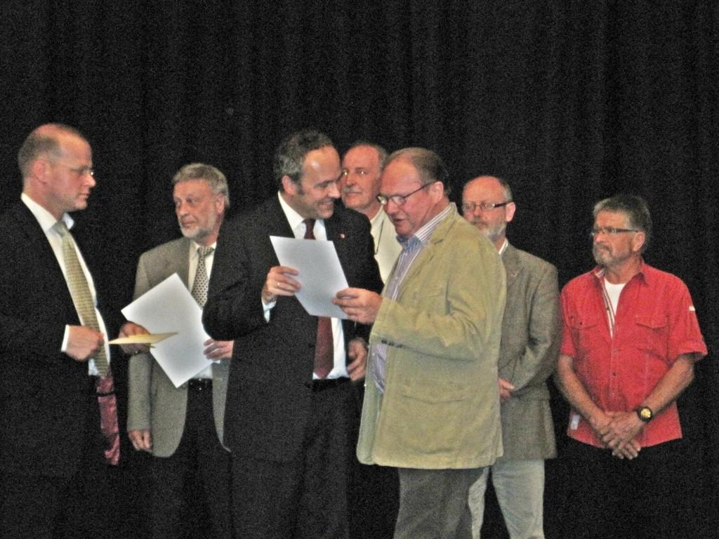 Landrat Dr. Ralf Niermann gratuliert
