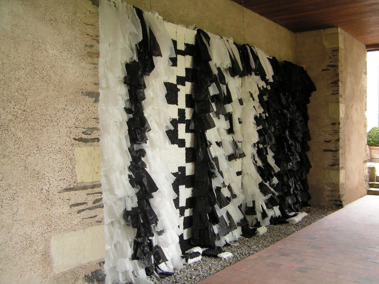 Le textile est dans le jardin