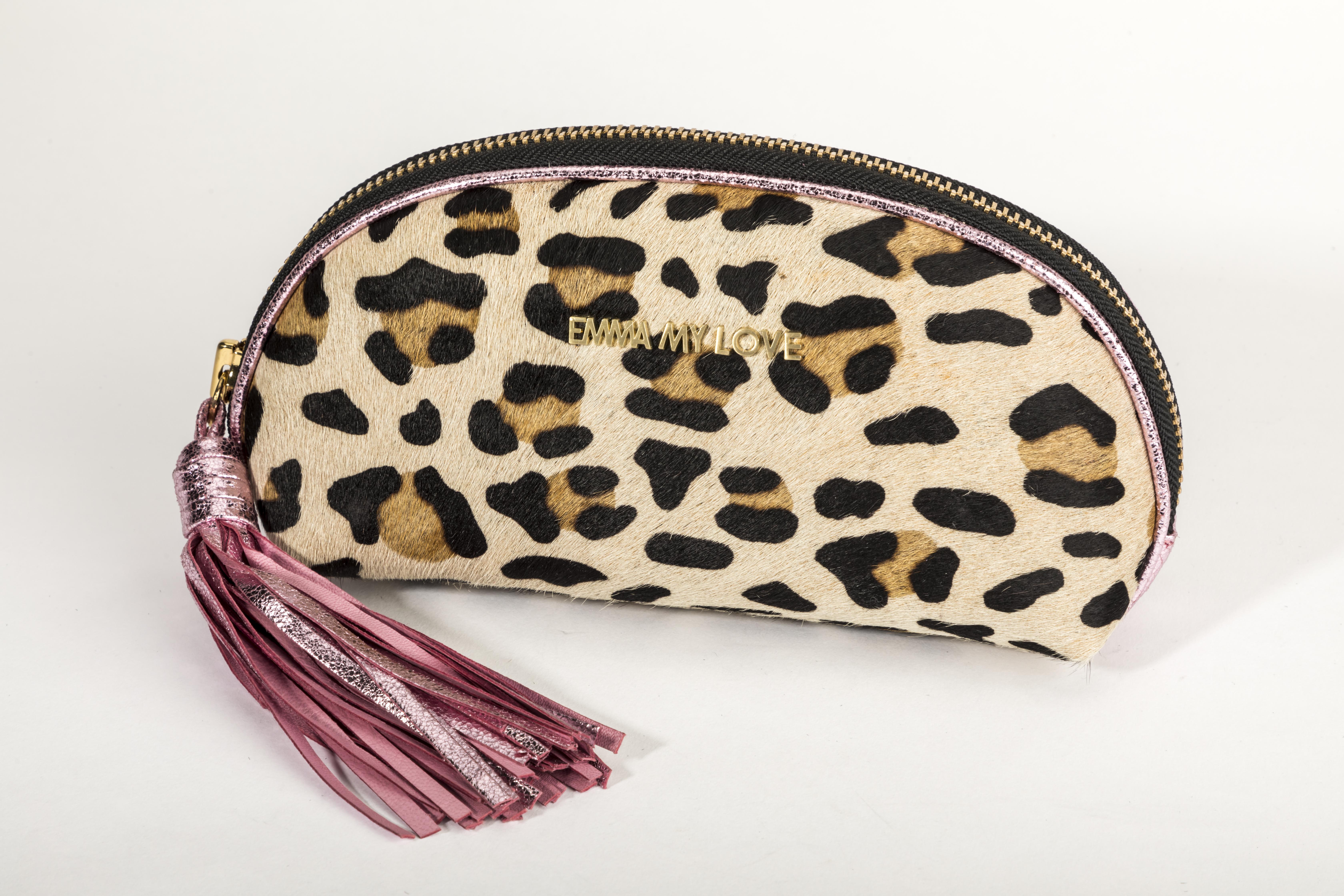 Touch aus Leder und Leoparden Muster von EMMA MY LOVE