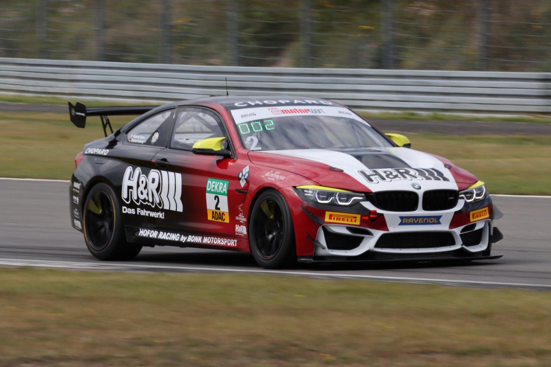 Hofor Racing by Bonk Motorsport mit drei BMW M4 GT4 in der DTM Trophy Schlagkräftiges Team für neue Aufgabe
