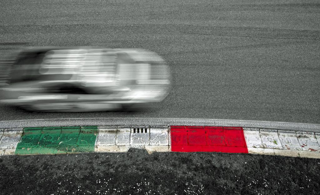 Beeindruckendes Starterfeld mit 47 Fahrzeugen zum Auftakt der GT4 European Series in Monza