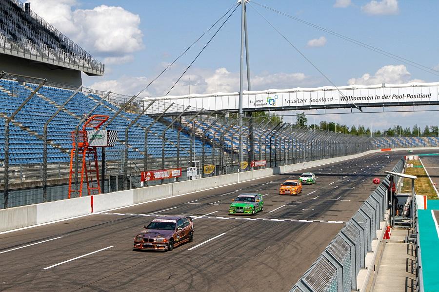 Endlich! Der DMV BMW 318ti Cup startet in die neue Saison