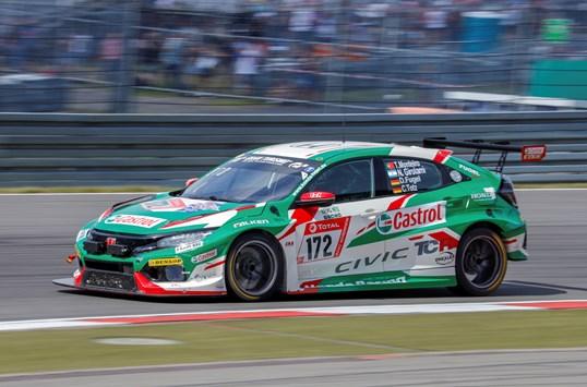 Honda Civic Type R TCR startet beim 24 Stunden Rennen