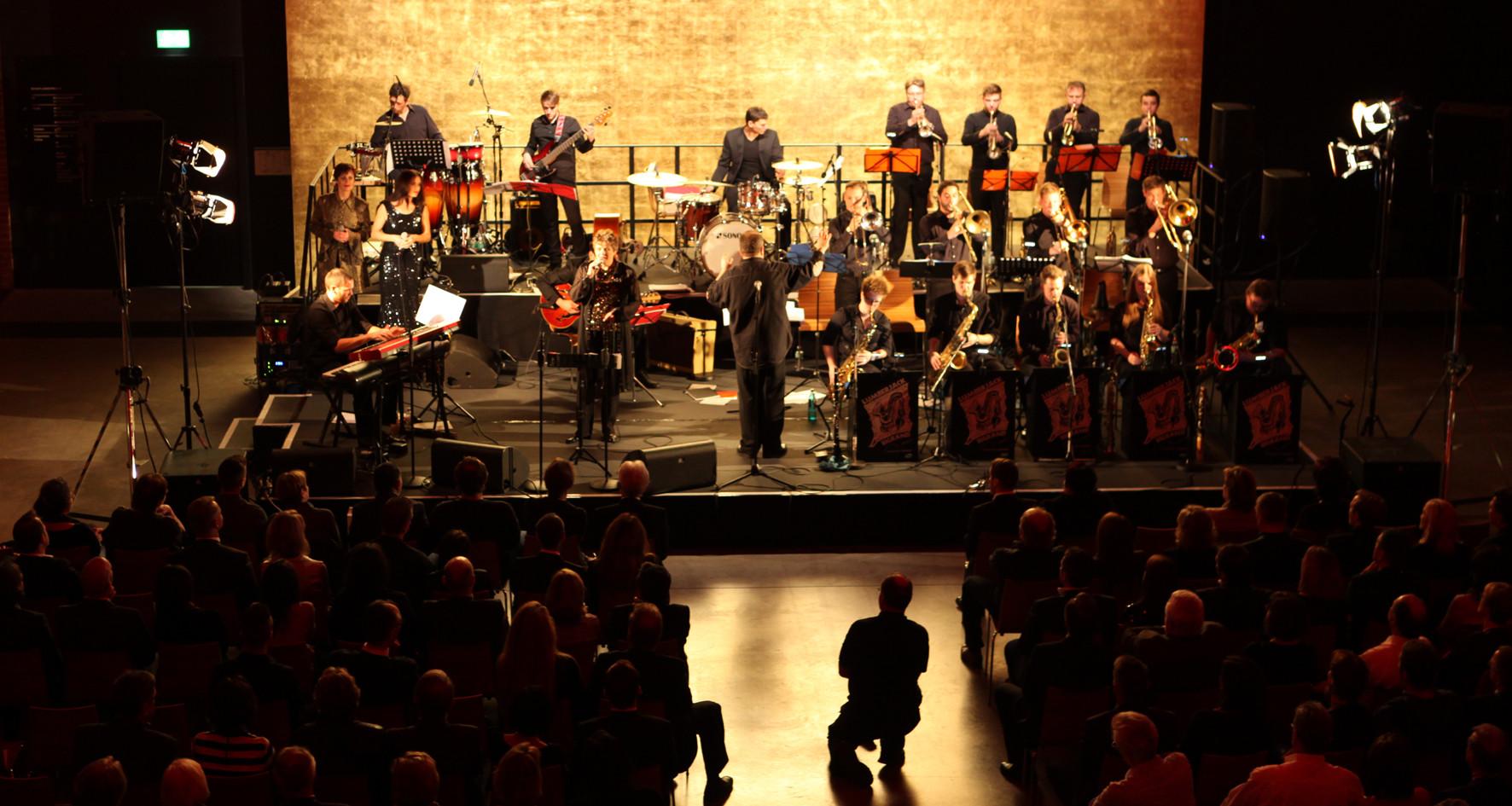 400 Gäste haben mit dem KIWANIS Club Stuttgart den 100. Geburtstag der Charity-Organisation im Goldbergwerk in Fellbach gefeiert.