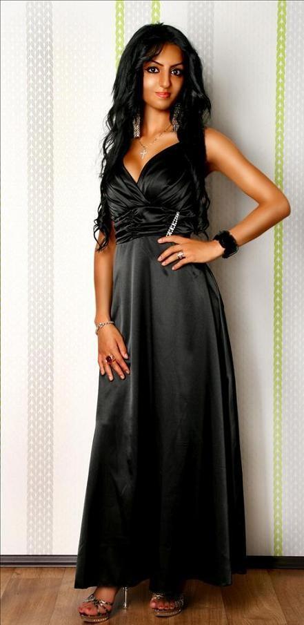 lange kleider abendkleider damenmode damenkleidung. Black Bedroom Furniture Sets. Home Design Ideas