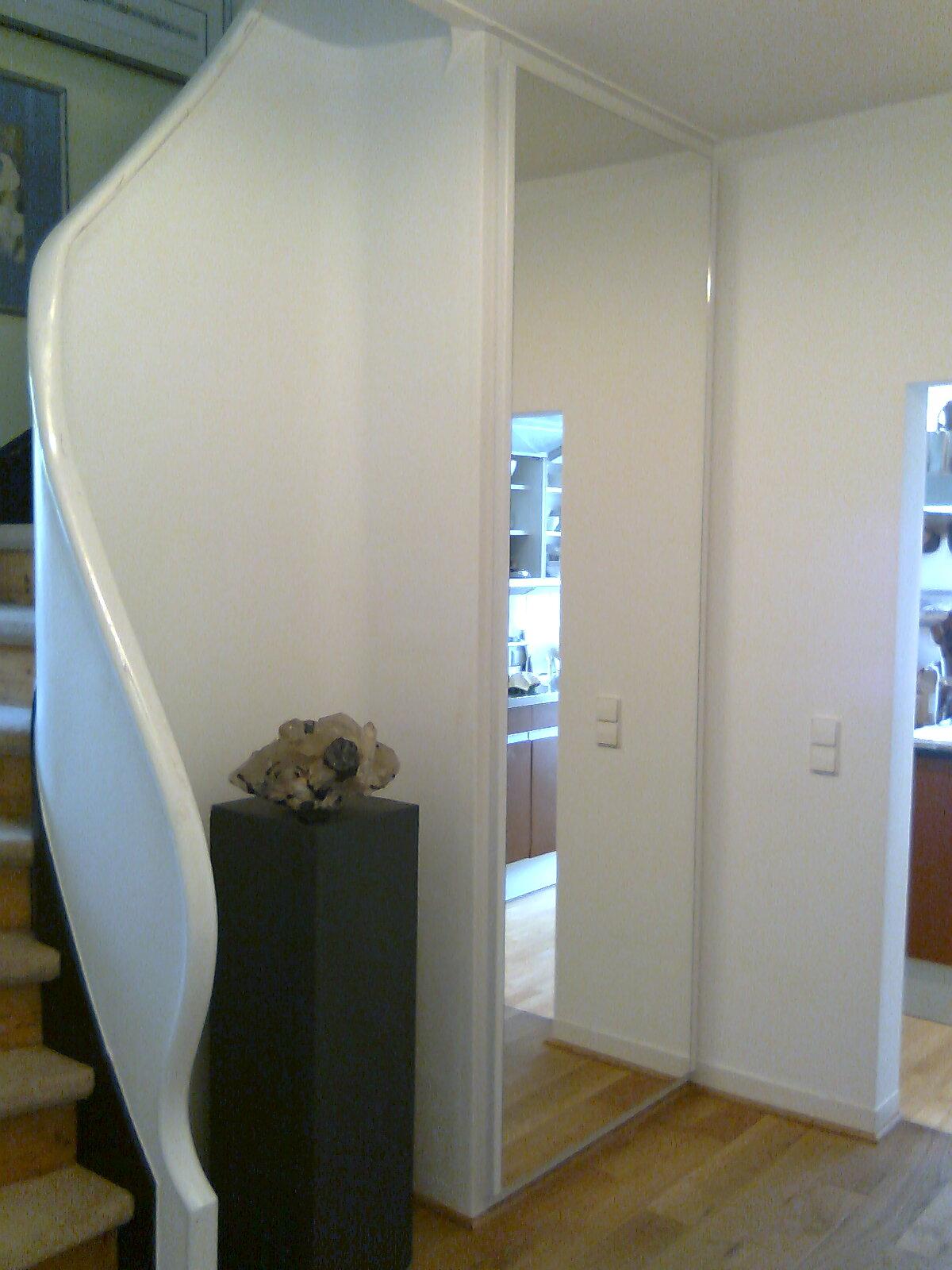 Treppeneinbauschrank mit Spiegelfront