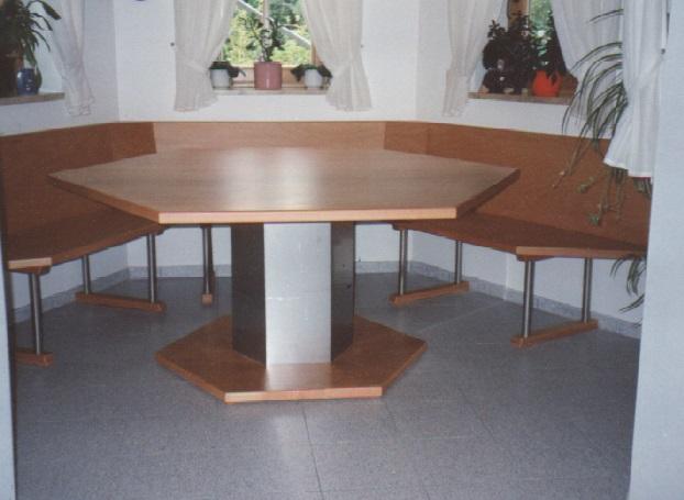 Erkerbank mit Tisch