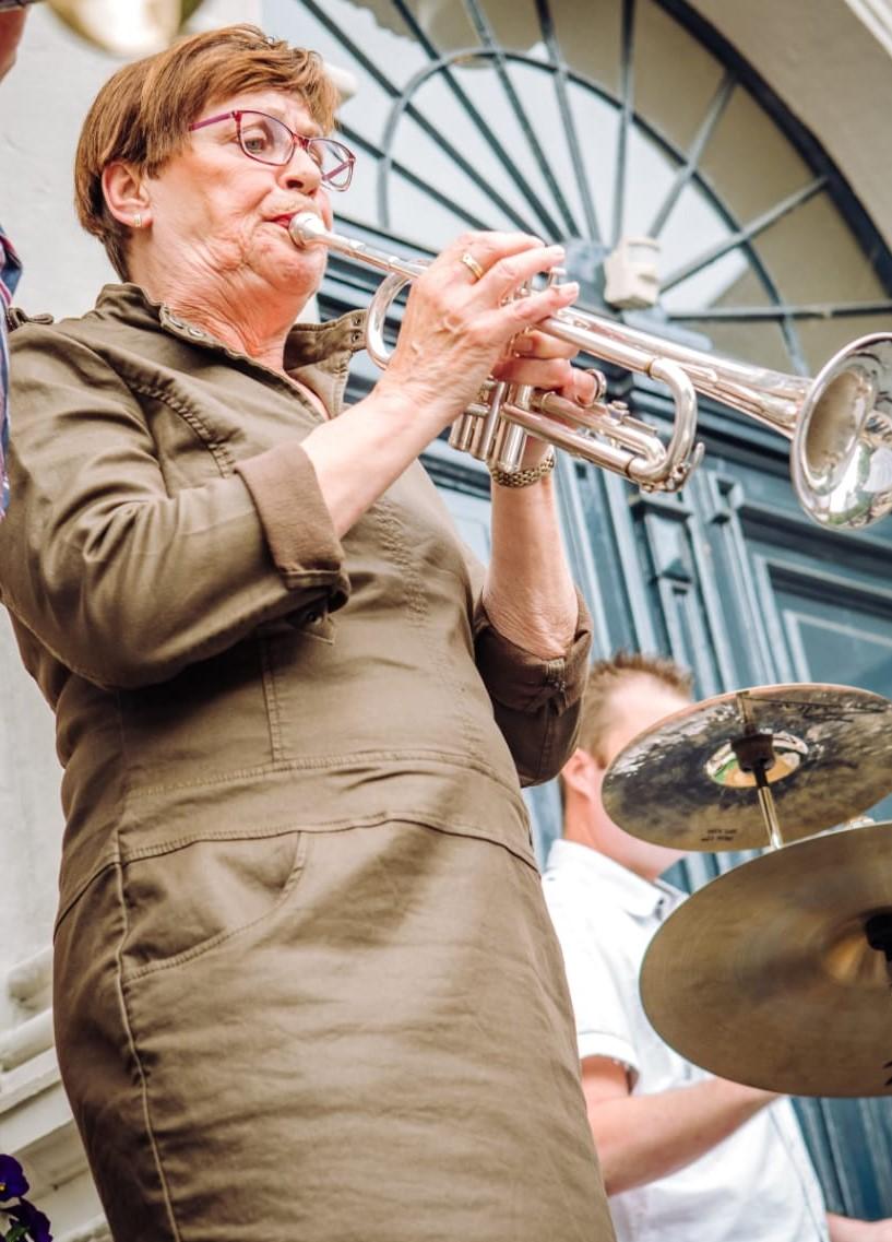 El Holthuysen: Trompet