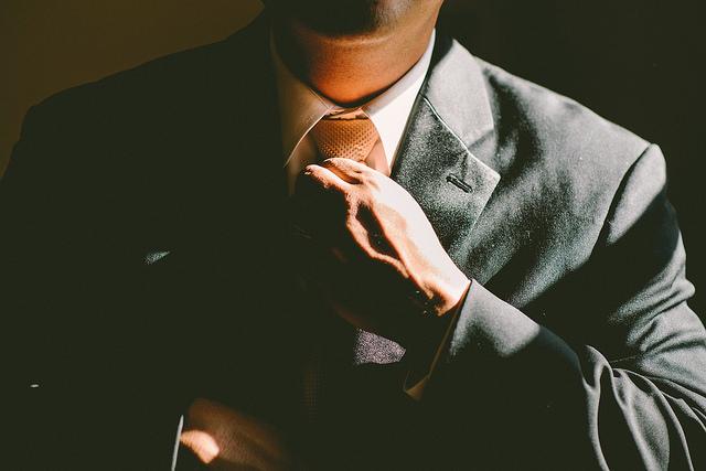 empreendedor de terno