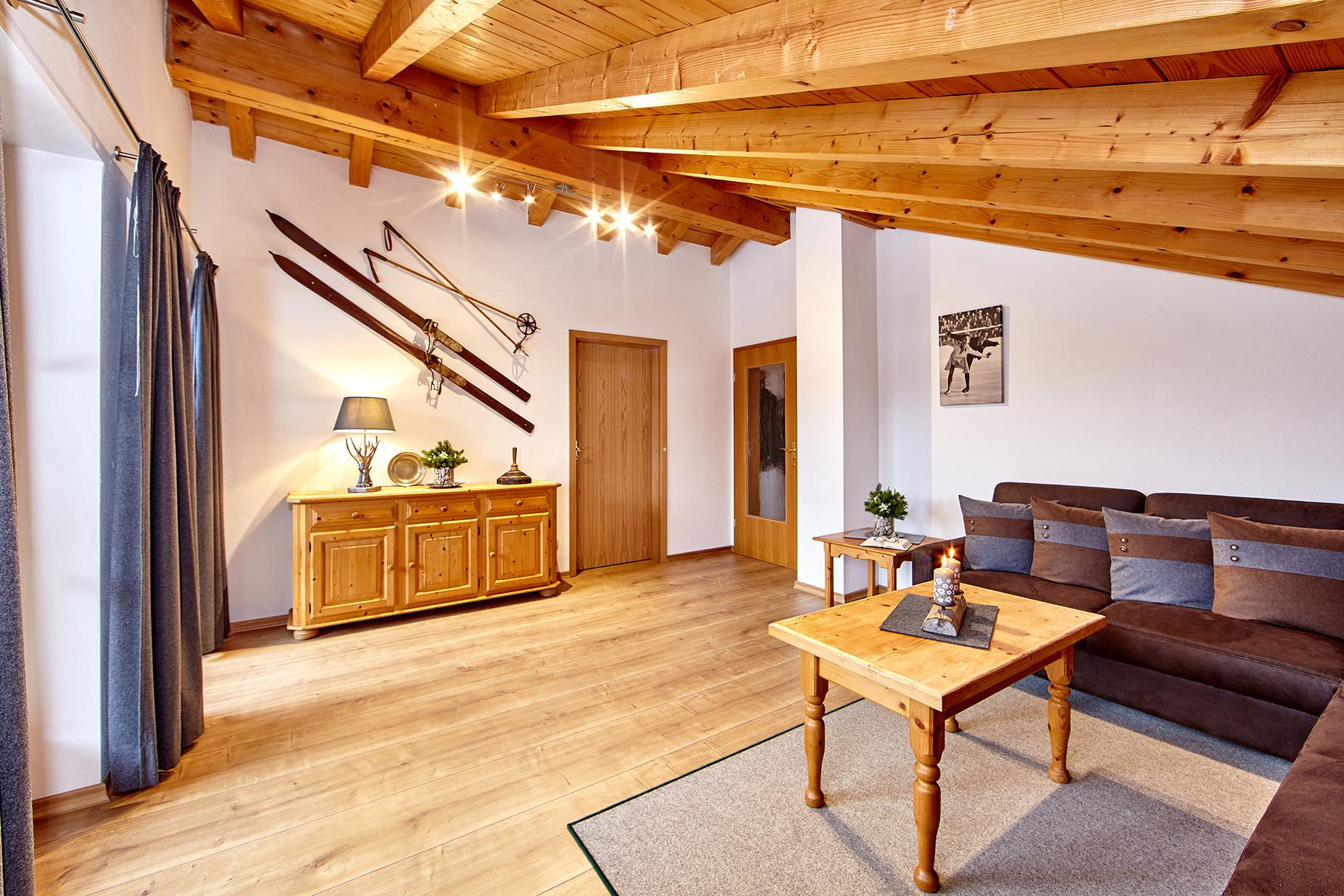Wohnzimmer - Ferienwohnungen Wilhelm in Garmisch-Partenkirchen