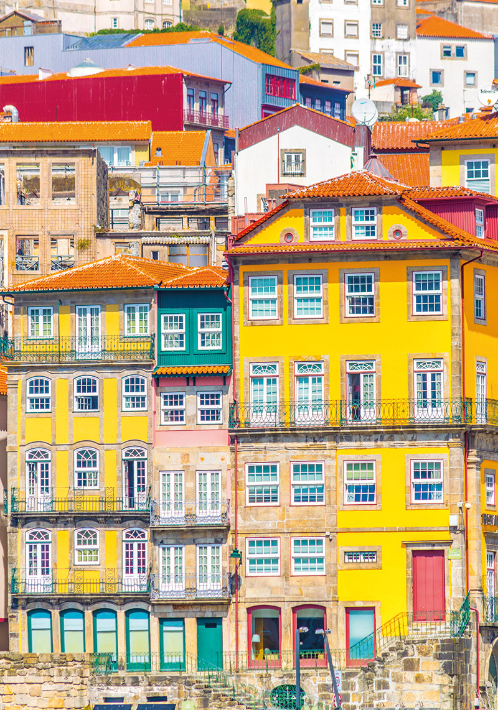 Farbenpracht an Portos Hausfassaden