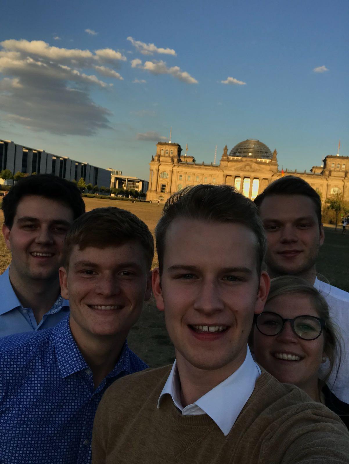 Das obligatorische Selfie am Reichstagsgebäude haben wir natürlich auch gemacht.