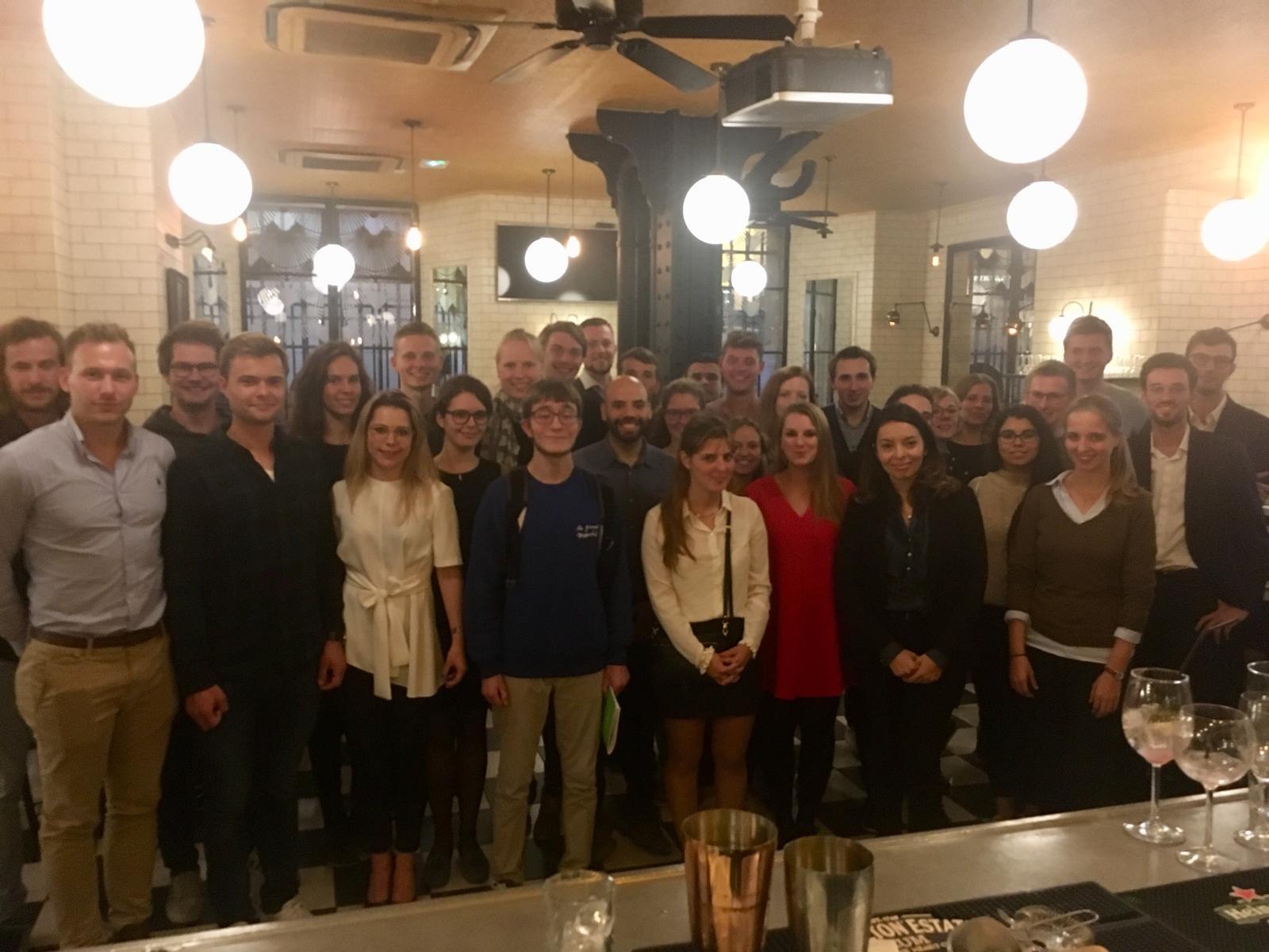 Am letzten Abend stand ein Gespräch mit Mitgliedern der Jeunes avec Macron an, der Jugendorganisation der Partei des Präsidenten.