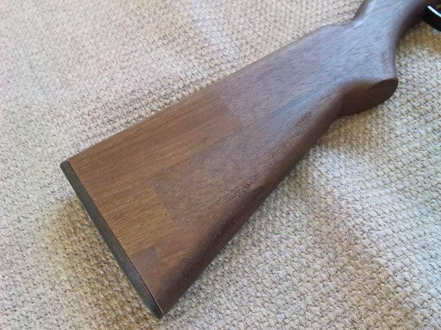 銃床の木目がきれい(1丁ずつ違います)