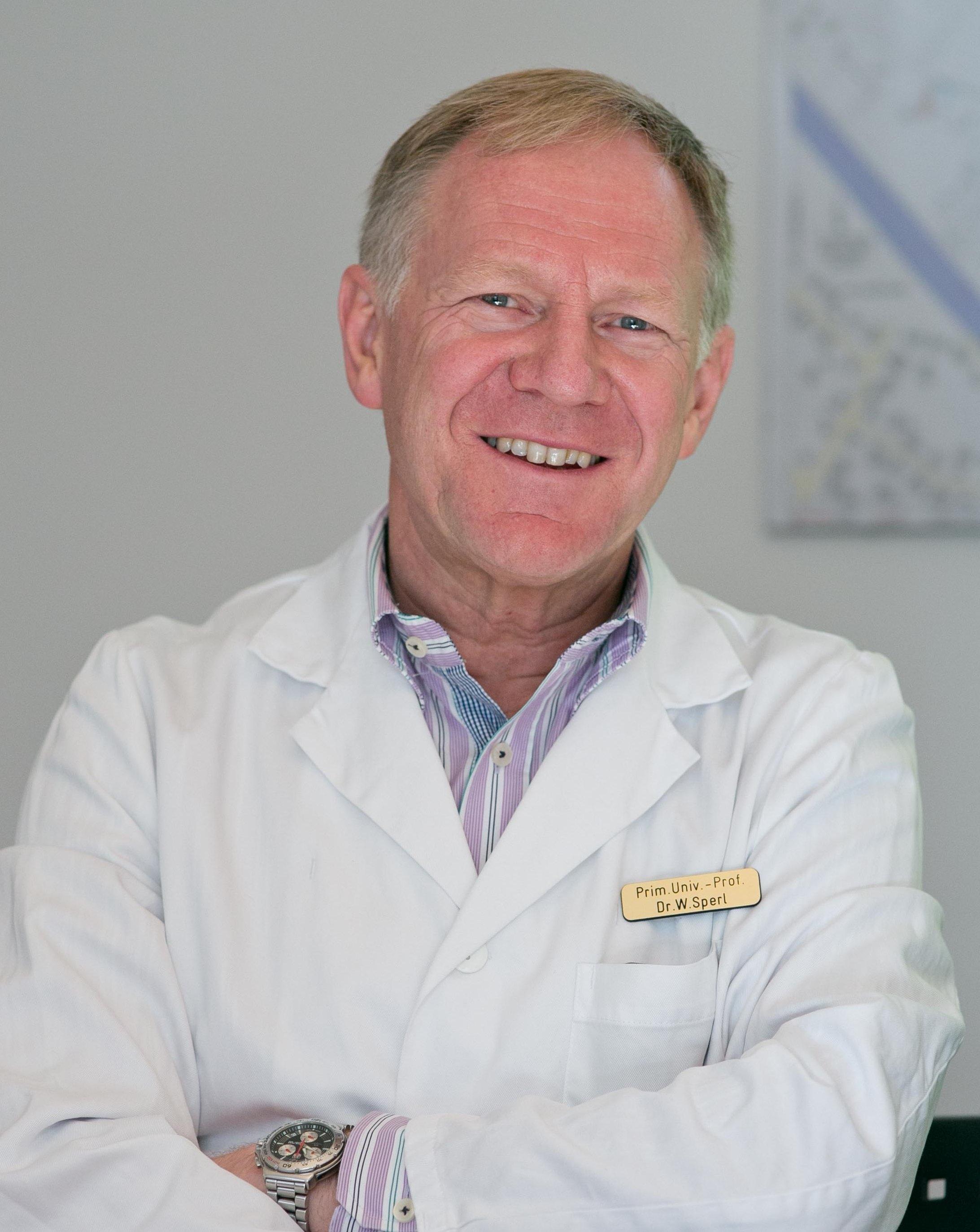 Prim. Univ. Prof. Dr. W. Sperl