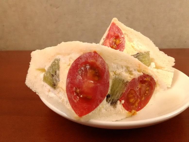 鉄板焼・チーズ料理 コミットさんのお持ち帰り「サンドイッチとフルーツサンド」