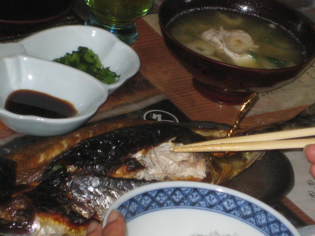 生姜醤油で焼いた鯖を。。。。