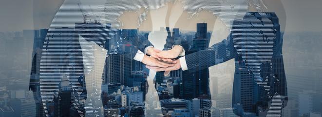Die Vermittlung von Immobilien ist ein vertrauensvoller, persönlicher Vorgang. Uns ist es wichtig, dass Sie sich gut aufgehoben fühlen. Auf unsere fachliche Kompetenz und unsere Marktkenntnisse können Sie sich verlassen.