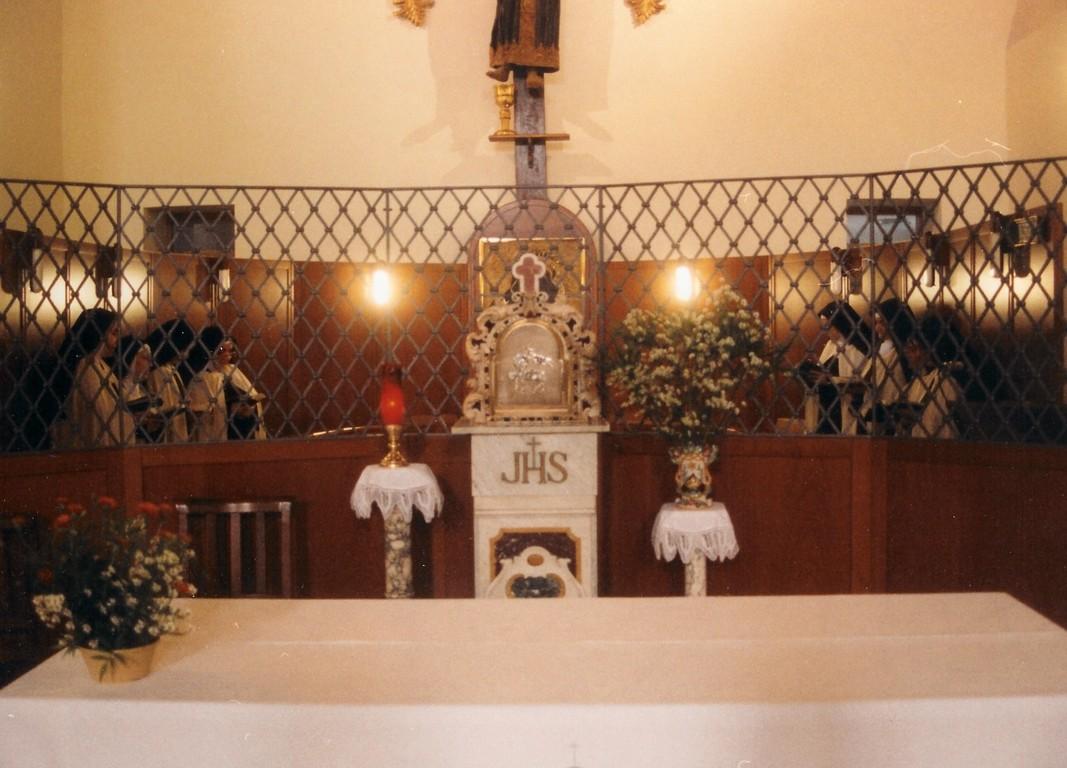 L'attuale coro monastico a Roccagloriosa (SA)