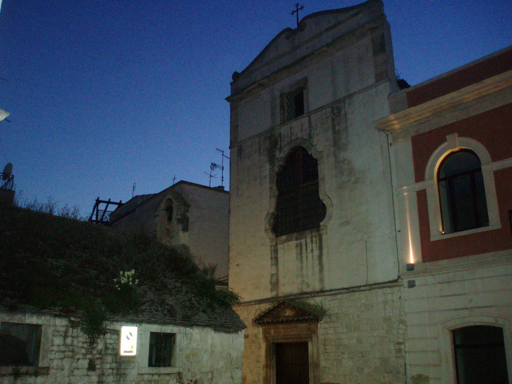 Noci - La facciata del Monastero S. Chiara