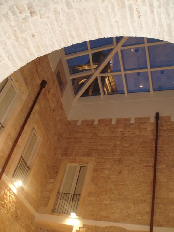 Noci - Piccolo cortile ora coperto del Monastero S. Chiara