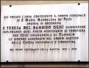 Borgo Pinti - Lapide che ricorda il passaggio di S. Teresina a Borgo Pinti nel 1886