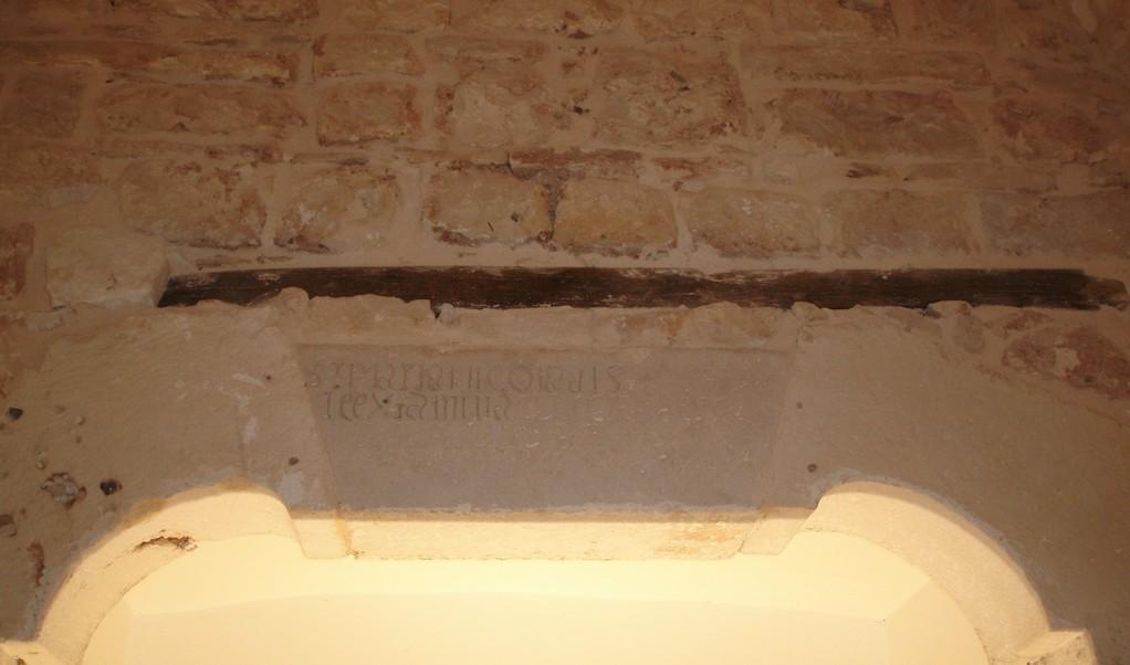 Noci - Architrave del Monastero S. Chiara