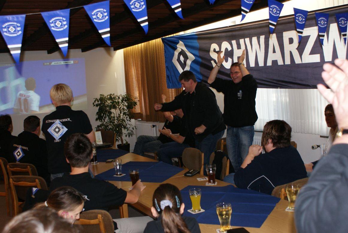 Torjubel beim Jubiläumsspiel gegen Hannover