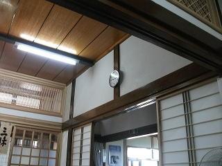 地震発生時刻3時46分で止まったお寺の時計