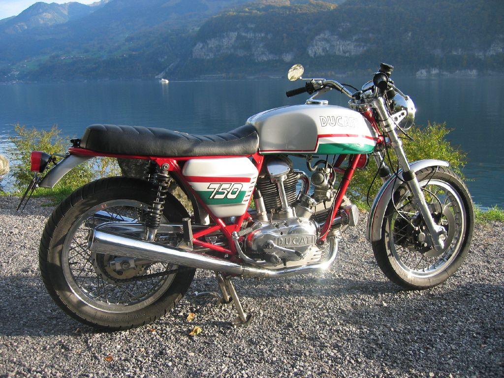 Okt 2003 my Ducati 750 GT Jg 73