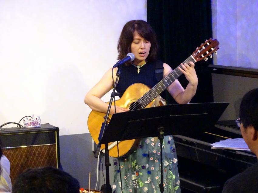 弾き歌い 共演:Acoustic Ladyland