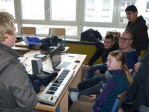 Nachmittags Ags An Der Carlo Mierendorff Schule Frankfurt