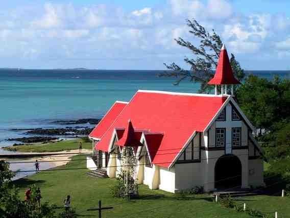 Église Cap Malheureux © www.souslestropiks.eu