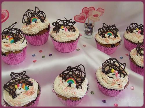Tutoriel cupcakes licornes et arcs en ciel girly avec recette cupcakes aux fruits rouges