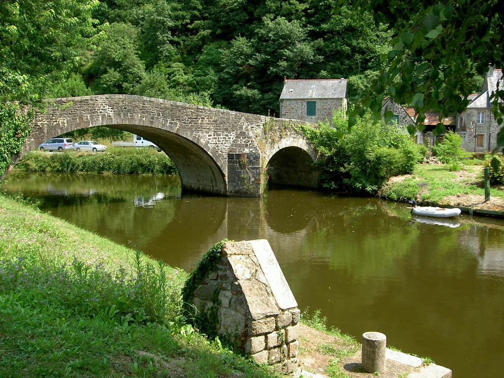 Le petit pont de Léhon