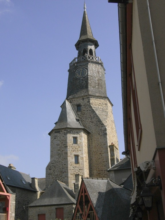 La tour de l'horloge , point culminant de Dinan