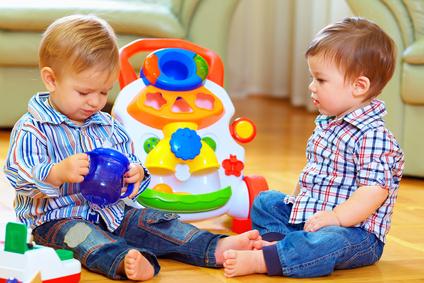 Wie Sie ätherische Öle richtig für Kinder und Babys einsetzen