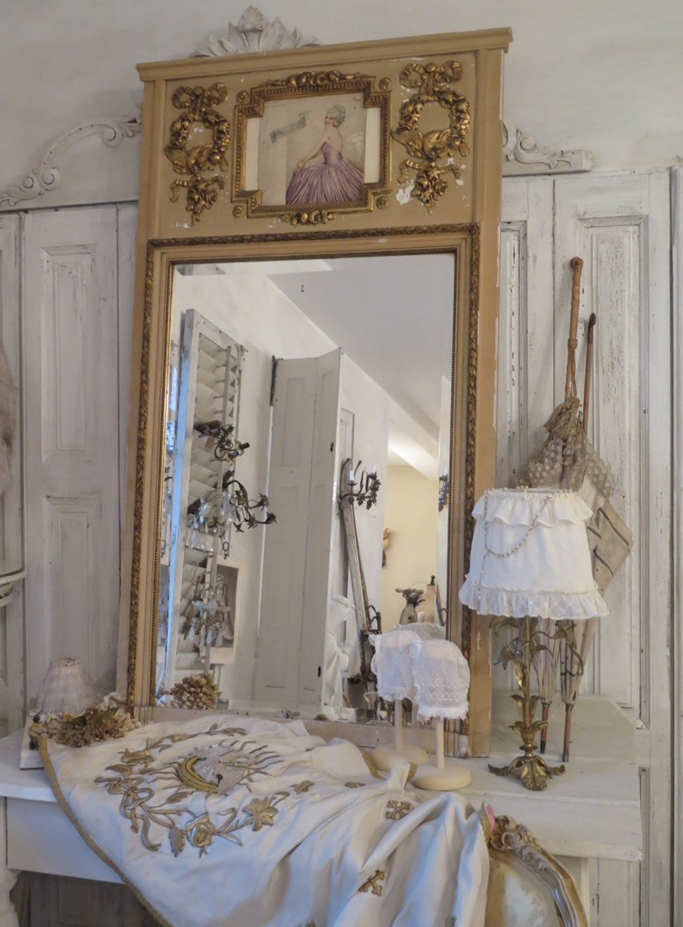 antiker trumeau spiegel villa vintage by trendfee. Black Bedroom Furniture Sets. Home Design Ideas