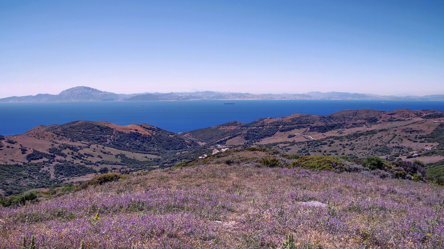 <B>Nur 16 km breit ist die Meerenge von Gibraltar.</B>