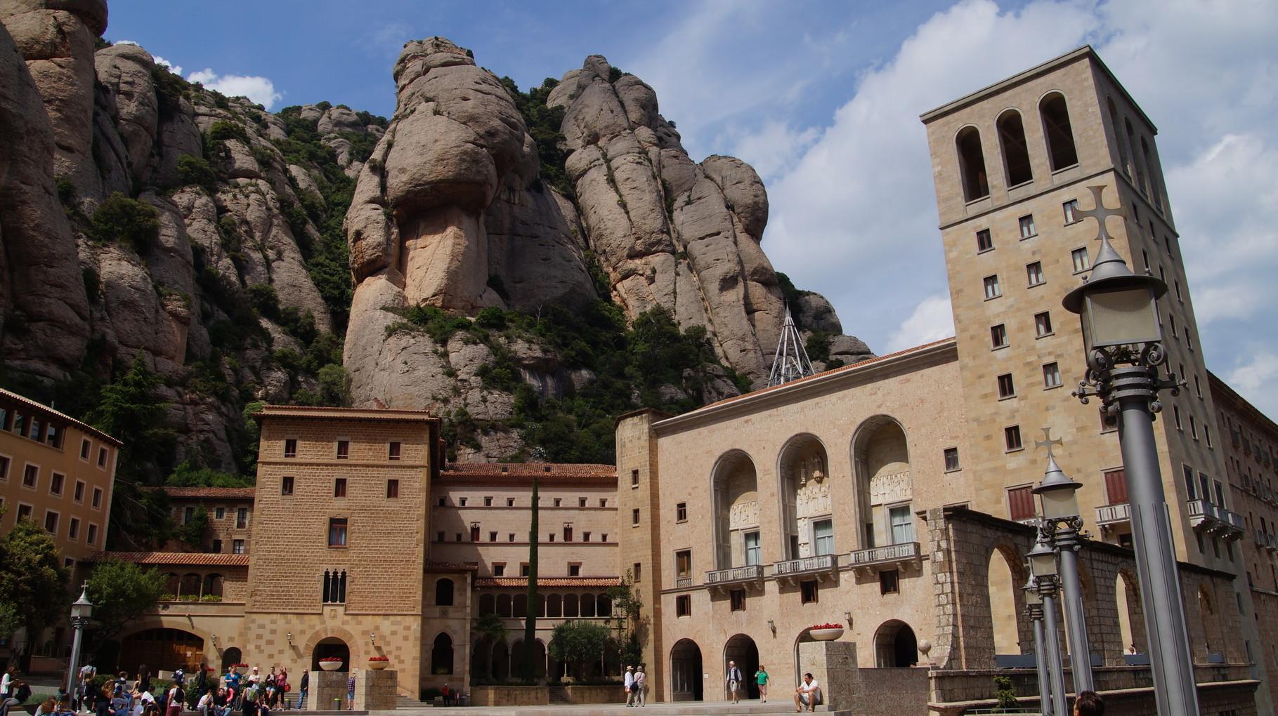 <B>Heute leben dort etwa 80 Mönche.</B>