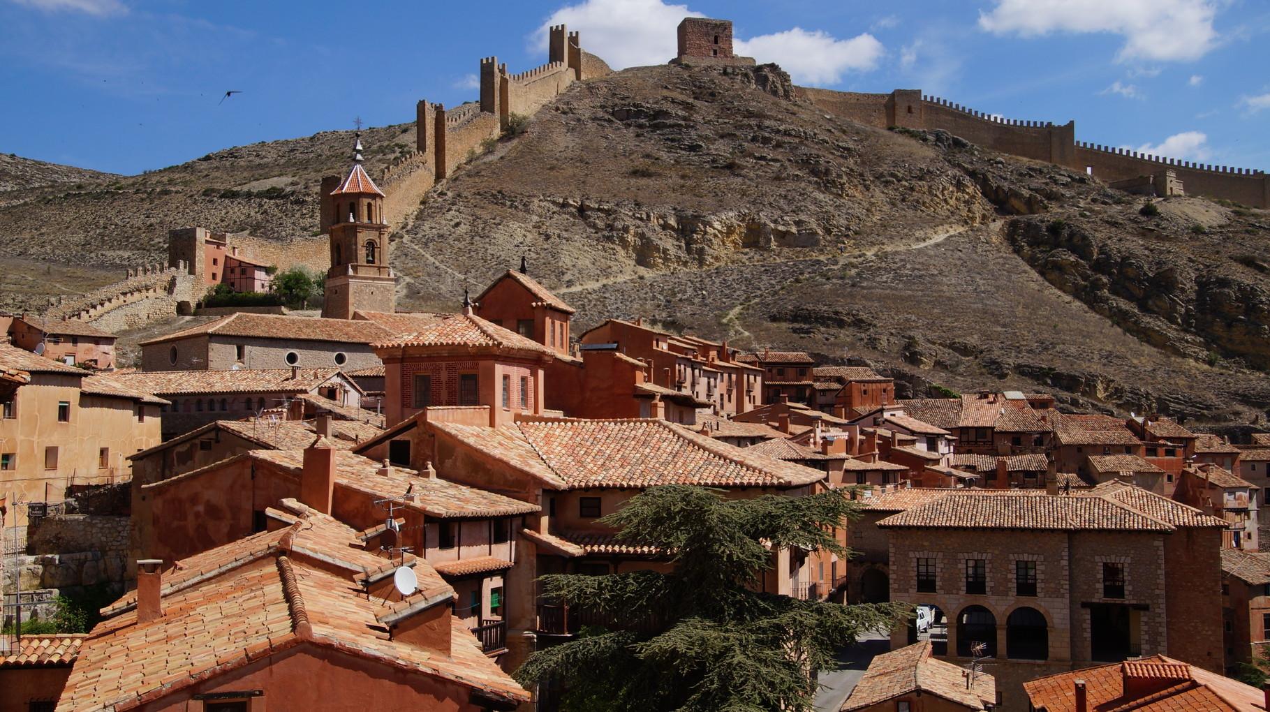 <B>Sie ist Hauptort der Comarca Sierra de Albarracín.</B>