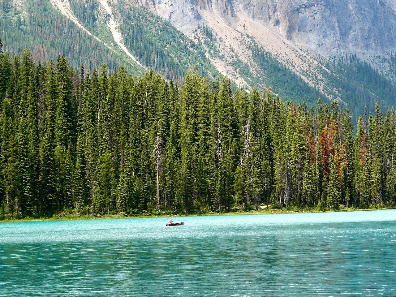 <B>Am Lake Emerald