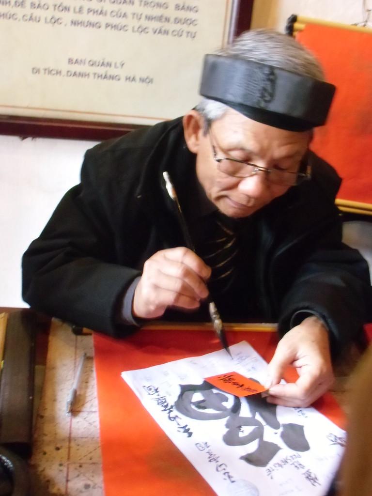 Calligraphe rencontré à HANOÏ  Mars 2013