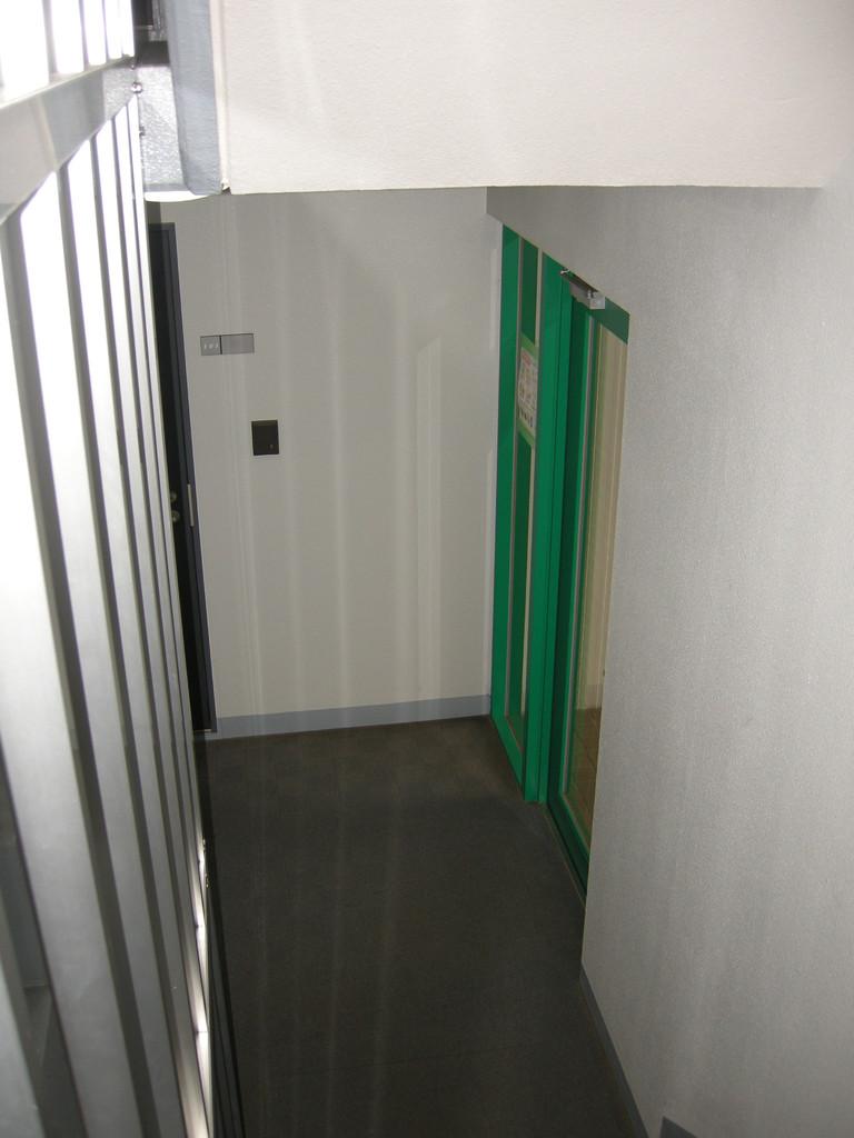 入り口ドア内側2
